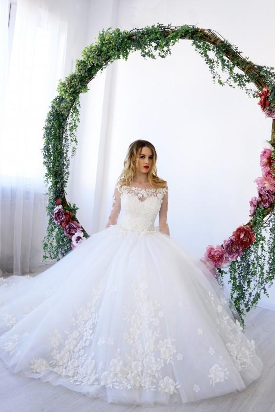 Салон весільних суконь Анна Шарм  ad083bd00819e