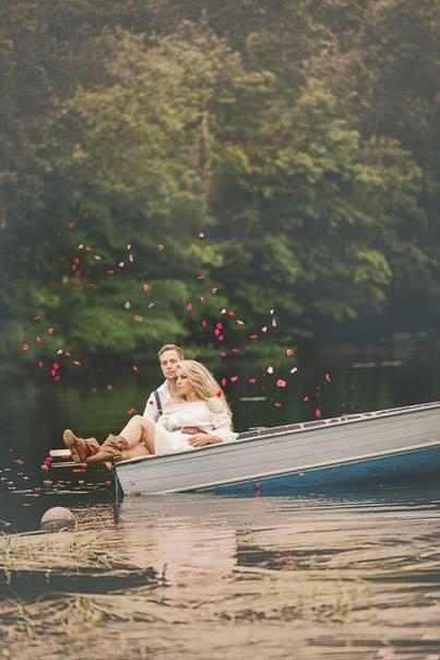 Видеть во сне, как две реки сливаются в одну — предвещает вам долгую совместную жизнь.
