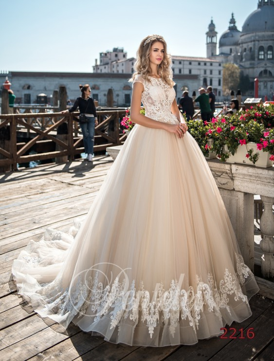 Весільний салон «Елана». Весільні та вечірні сукні  5758ef3951c0c