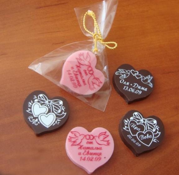 Подарунки гостям Шоколадні бомбоньєрки ... 9472f9ae23631