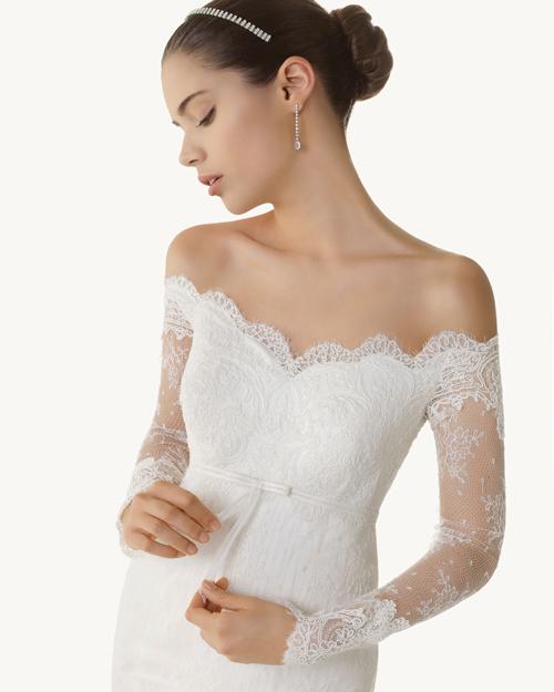 ... дизайнера-чарівника та відомої італійської марки випустила просто  неймовірної краси сукні із притаманним Еллі шиком та якістю будинку  весільної моди. 1740b350e16fd
