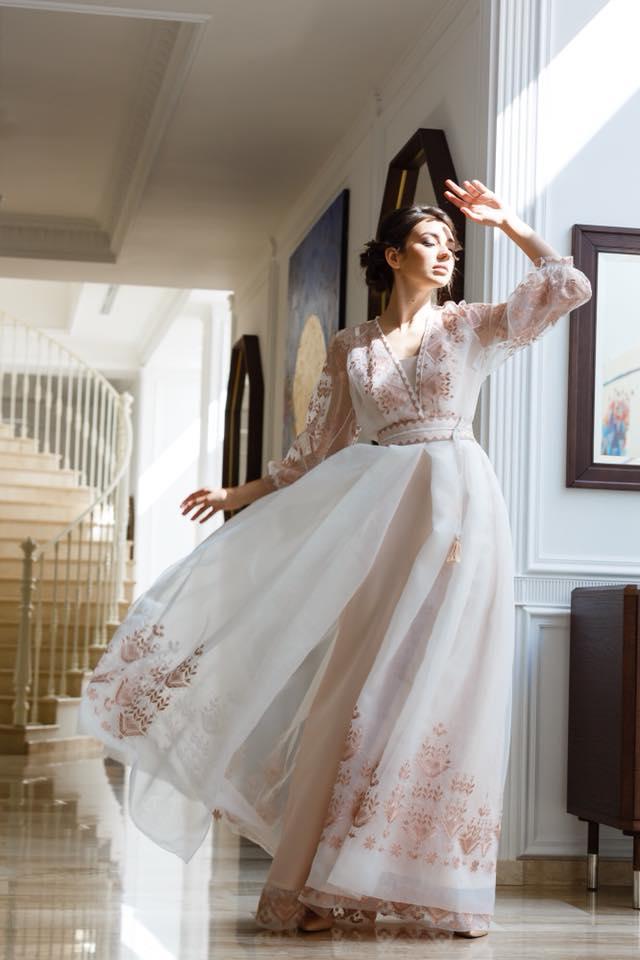 Весільна сукня ручної роботи  поради експертів порталу Пара Молода ... f193e980e80e3